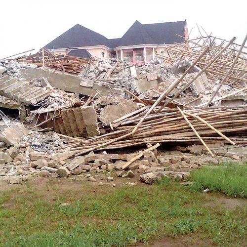 Breaking: Three Storey Building collapsed in Owerri