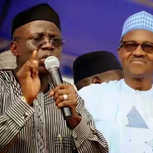 Bishop Tunde Bakare advises FG on Restructuring