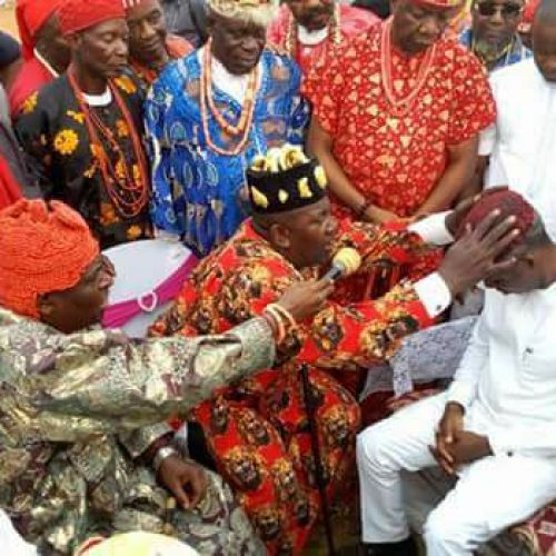 Trending: Unusual as Uche Nwosu sits to receive  Chieftancy title