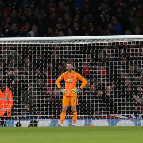 David De Gea extends unwanted record and Manchester United fans react