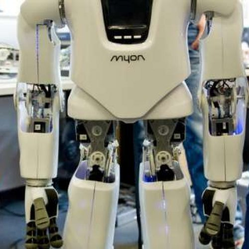 Japan Robot Hotel Sacks Half of its Robots