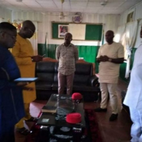 Mbaitoli TC Chairman John Eke Dedicates Office …thanks Gov Uzodinma for appointing him