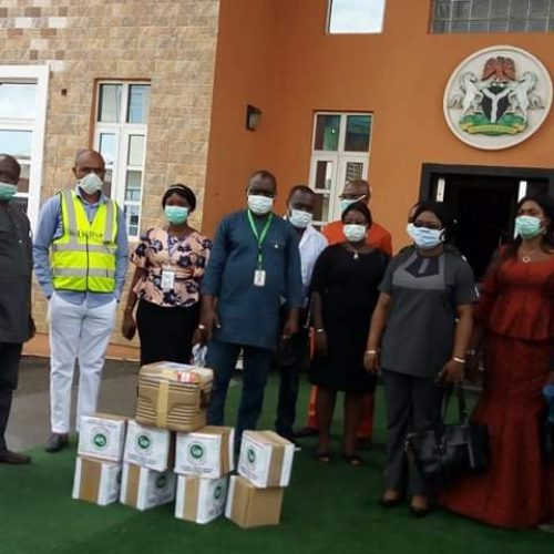 COVID-19 : Medical Laboratory Scientists Donate 200 Vials of VTM, Other Items to Imo Govt